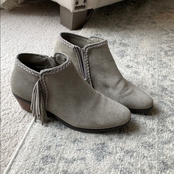 Gray Crown Vintage Ankle Boots
